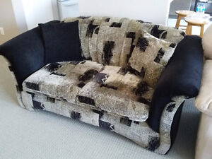 Couch and loveseat set with matching pillows black/brown fabric London Ontario image 5