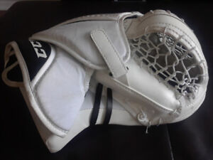 Ccm Eflex Glove | Kijiji in Ontario  - Buy, Sell & Save with