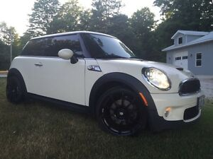 Mini Cooper S Snows on Rims included