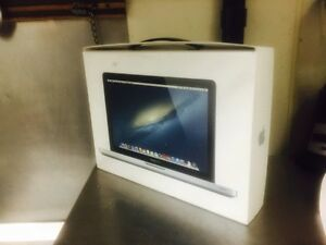 """13"""" MacBook Pro (One Owner) retail 1600$+ ** GREAT PRICE **"""