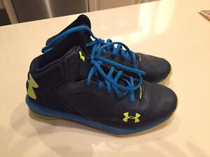 Under armour youth size 7 basketball shoes