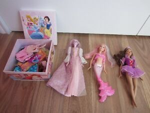 3 BARBIES WITH BOX FULL OF CLOTHES - $15.00 for LOT