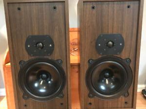 Enceinte / haut parleur  B & W Bower & wilkin DM 11