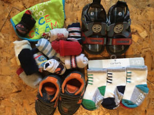 New Carter's 6 pairs of socks 3-12 months & sz 5 Shoe Lot