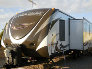 RV, 2015 Keystone, Premiere by Bullet, 31' (overall length)