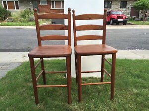 2 Stools / Tabourets ( $55 each - chaque )