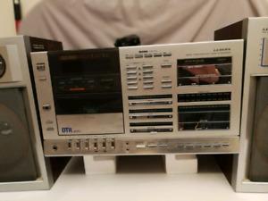 Lloyds Mini chaîne Stéréo Tourné Disque Tuner Cassette
