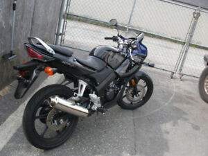 2008 Honda CBR-125R,low KL'S - $2250.(Burnaby)