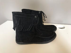 15ded2beba6 Ugg Boots | Kijiji in Winnipeg. - Buy, Sell & Save with Canada's #1 ...