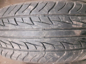 4 pneus 215/60R17 uniroyal tiger Paw AS65 ,