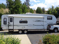 2004 Forestriver 5th wheel