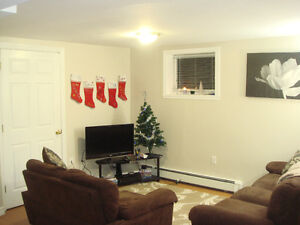 3 bedroom open concept 1 min to dal available May 1