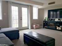 Beautiful 3 Bed/2 Bath Townhouse Condo (1330sqft) - LOW FEES!
