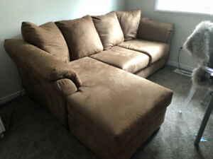 Brand New Condition Sectional!