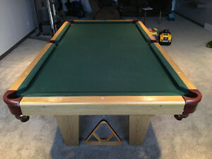 Pool table (slate)- great condition ! 4x8