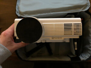 Vankyo Leisure 3 Mini Projector (1080p) - mint condition