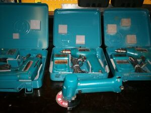 Lot d'outils Makita à batteries avec valise de transport.