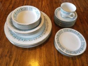 Noritake Dinnerware (Nitto Ware collection)
