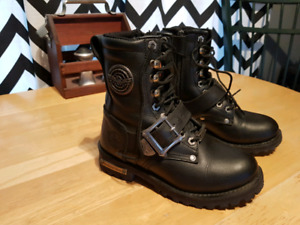 Size 5.5 ladies Milwaukee motorcycle boots