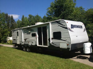 REDUCED!! 2013 AVENGER 36 FEET