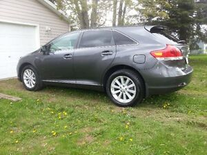 "2009 Toyota Venza ""MINT"" REDUCED $2000.00!! NOW 10,900.!!!"