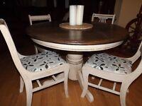 Dark esspresso with warm vanilla and 4 gorgeous antique chairs