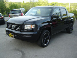 2006 Honda Ridgeline Pickup Truck  ALL WHEEL DRIVE