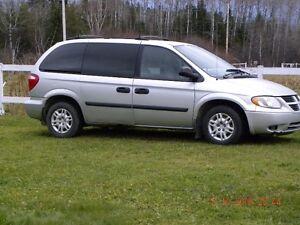 2006 Dodge Caravan Fourgonnette, fourgon Saguenay Saguenay-Lac-Saint-Jean image 1