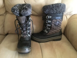 UGG winter boots women's size 7