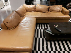 Eq3 Lola sectional