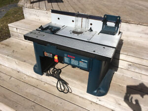 Unused Bosch RA1181 Benchtop Router Table