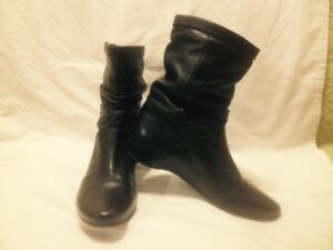 Ladies New Black Leather Le Chateau Short Wedge Heel Boots 38M