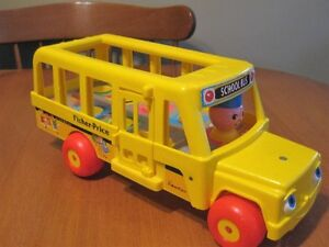 FISHER PRICE LITTLE PEOPLE VINTAGE YELLOW SCHOOL BUS