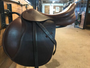 "17.5"" Mondega close contact saddle"