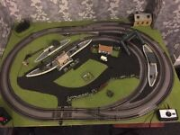 Hornby 00 complete oval track and engines