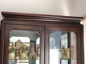 VERY HIGH QUALITY SOLID WOOD CURIO CABINET