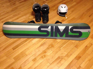 Snowboard, boots and helmet !