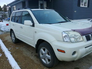 2005 Nissan X Trail White and in great condition