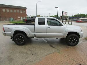 2010 Toyota Tacoma SR5 TRD 4x4 ** BLOW OUT PRICE **