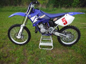 2003 Yamaha YZ125 motocross bike