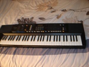 Roland E-35 Intelligent Synthesizer w/stand