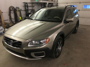 2012 Volvo XC70 AWD Luxury /private sale