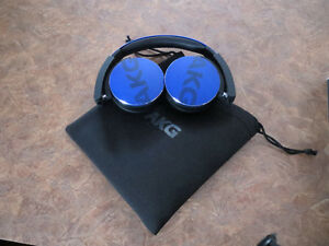 AKG Y50 On-Ear Headphones with In-Line One-Button Universal Remo