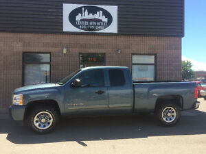 2011 Chevrolet Silverado 1500 LS Cheyenne Edition ( REDUCED!)