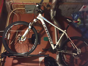 Mint condition Cannondale sl2 med frame + accessories and rack St. John's Newfoundland image 1