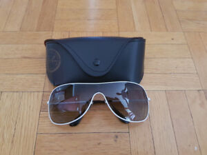 Ray ban sunglasses mint condition