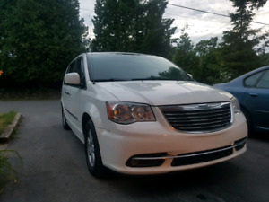2012 Chrysler Town and Country  Touring  loaded
