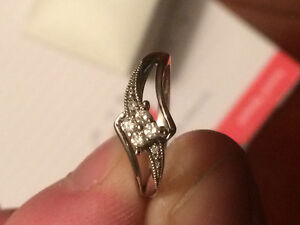 $250 o.b.o. BEAUTIFUL PROMISE RING FOR THAT SPECIAL WOMAN