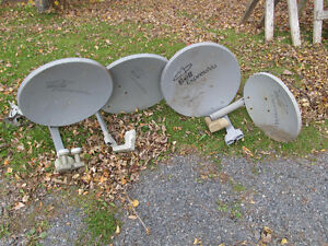 4 Bell Satelite Dishes
