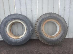 2 pneu camion lourd 12 r 22.5 tres bonne état